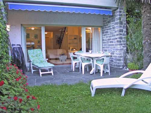 HolAp - Ferienwohnungen, Ferienhäuser im Tessin, Ascona, Locarno, Minusio, Orselina, Brione S.Minusio, Valle Maggia, Valle Verzasca, Gambarogno -  - H6612-145_terrazzo