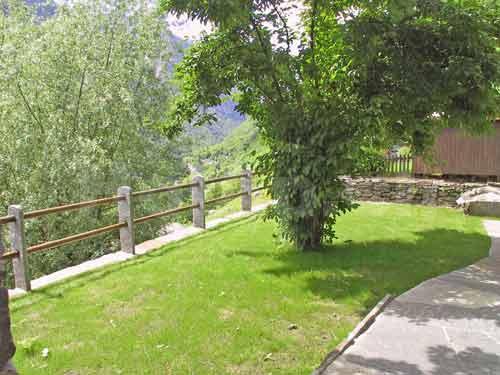 HolAp - Ferienwohnungen, Ferienhäuser im Tessin, Ascona, Locarno, Minusio, Orselina, Brione S.Minusio, Valle Maggia, Valle Verzasca, Gambarogno -  - H6633-302_prato