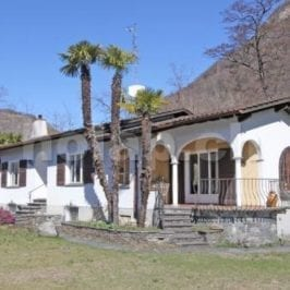 6616H193-880_6616H193_facciata_casa.jpg